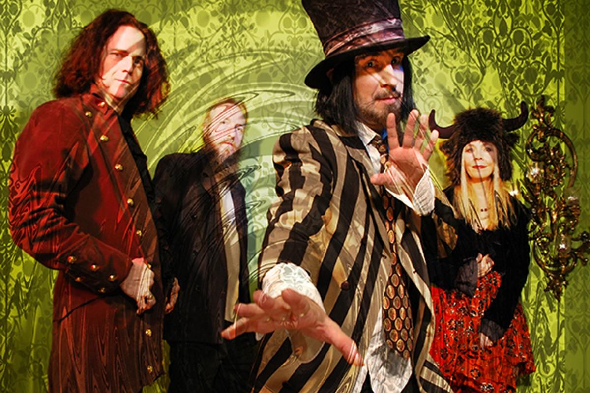 The Slambovian Circus Of Dreams... A Very Slambovian Christmas