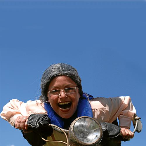 Image for Oma fährt im Hühnerstall Motorrad